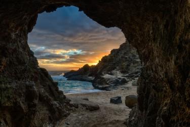 Halona Cave