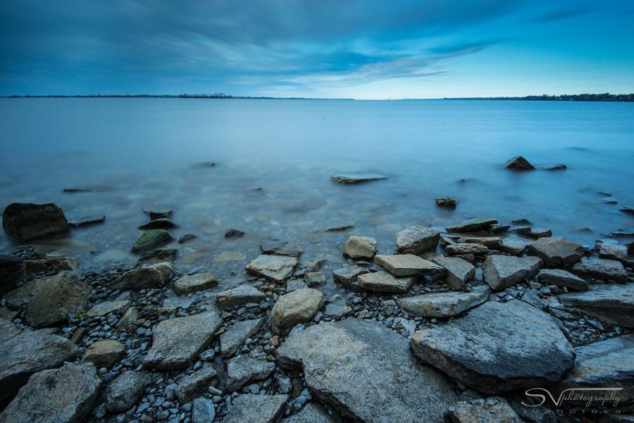 lake ontario rocks