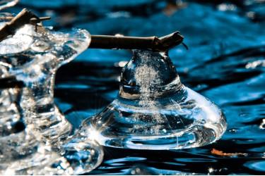 Frozen Bell