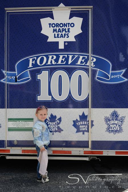 KC-leafs-truck