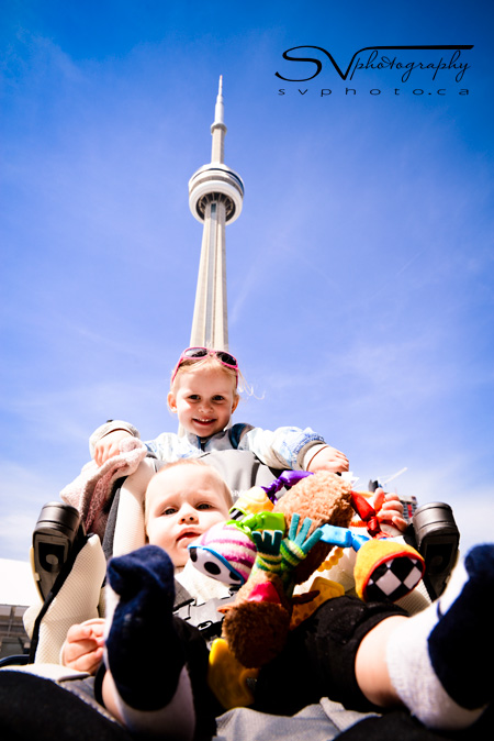 kids-cn-tower-toronto