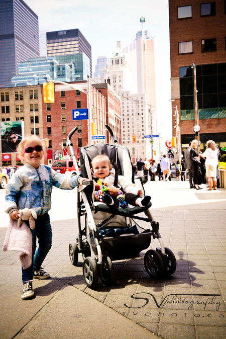 kids-on-street-in-toronto