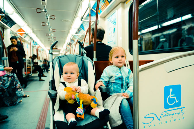 kids-on-toronto-subway
